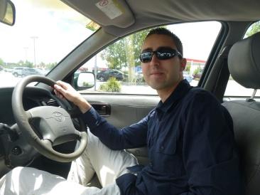 Quentin conduit adroitement à droite !
