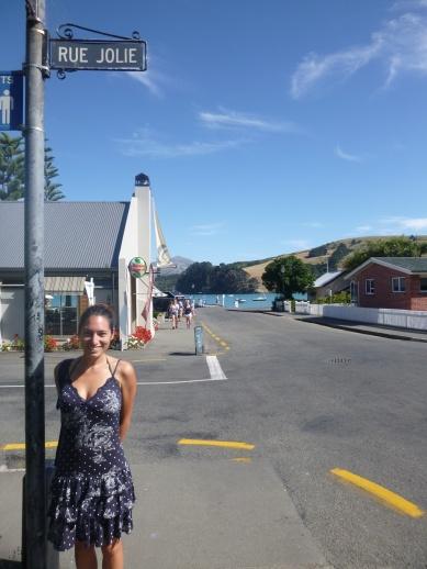 22. Akaroa - Une rue toute trouvée pour Lu