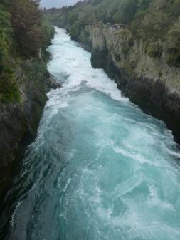 44. Huka falls