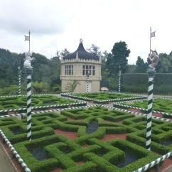 80. Hamilton gardens - Jardin style Tudor