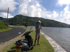 13. Tour de l'île en scooter