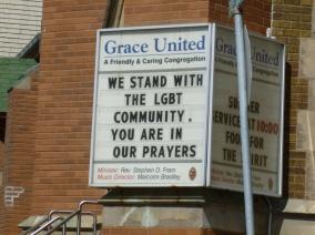 3. Au lendemain du massacre d'Orlando, une église de Darmouth prie pour les gays, chose peu commune...