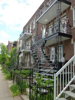 4. Excaliers extérieurs appartements Montreal