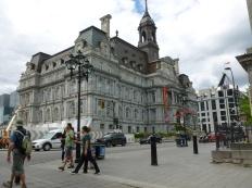 6. Hôtel de ville