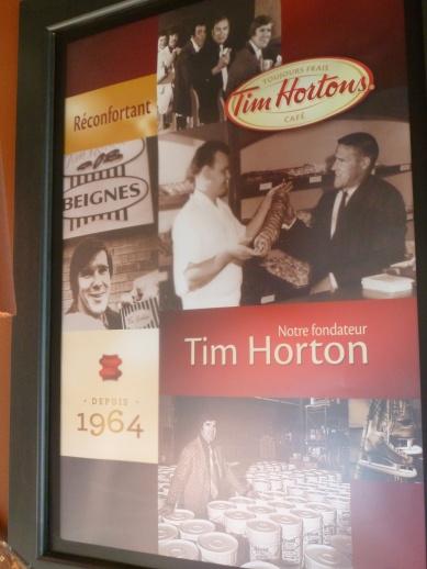 88. ...mais ils ne vendent que des glaces, donc on se rabat sur un lieu très canadien, le Tim Hortons !