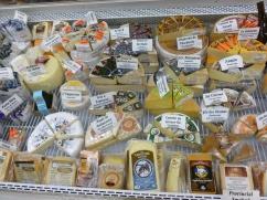 82. Le Québec regorge de fromages locaux, dommage qu'on n'ait le temps de tous y goûter...