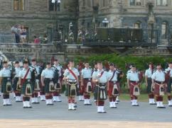 91. Spectacle militaire devant le Parlement