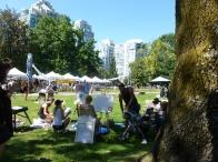 59. D'autres artistes dans un parc de la ville