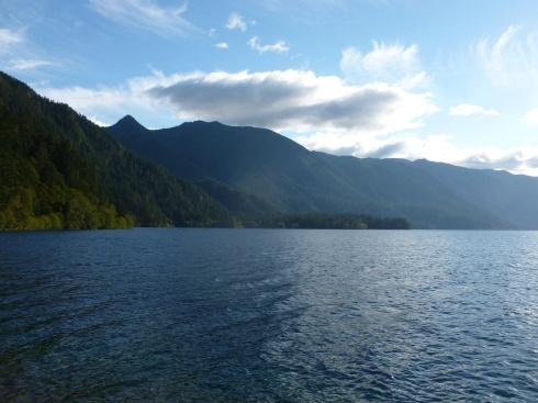 13-il-ny-pas-quau-canada-que-lon-trouve-des-lacs-magnifiques2