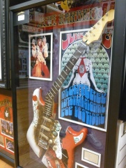 17-une-guitare-dhendrix