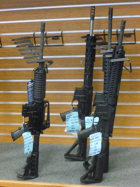 32-pour-le-meme-prix-que-la-dedicace-de-rick-on-peut-repartir-avec-une-arme-de-guerre-toute-neuve