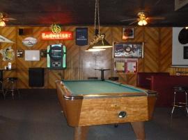 78-petite-pause-dans-un-bar-de-la-ville