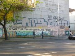 12-les-slogans-politiques-s-affichent-ici-et-la-dans-la-ville