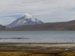 19-face-a-nous-la-bolivie-dont-le-volcan-fait-partie