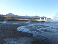 64-geysers-del-tatio