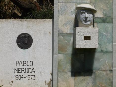 64-hommage-au-poete-chilien-dans-le-parc-de-vina-del-mar
