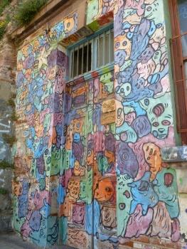 82-le-street-art-version-qui-a-vomi-sur-ma-porte