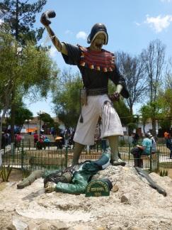 79-statue-faisant-reference-aux-conflits-opposant-indigenes-et-espagnols
