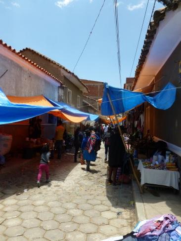 80-marche-textile-de-tarabuco