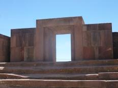 35. Porte d'entrée du Kalasasaya, un imposant temple