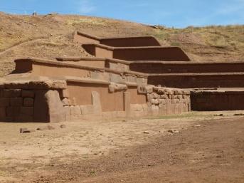 40. Vestiges de la pyramide