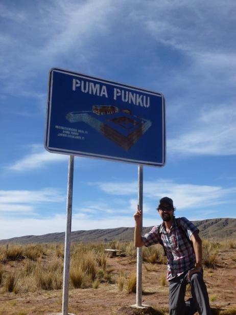 48. Arrivée sur le site de Puma Punku, autre temple majeur de la région