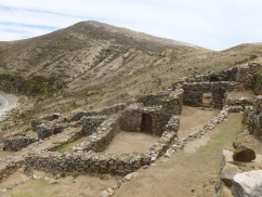 74. Habitations Inca à flanc de colline