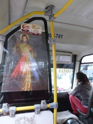 87. Bus local de Cuzco - Jesus still on board!