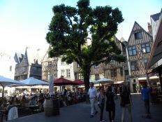 15. Tours - Place Plumereau