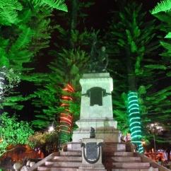 18. Simon Bolivar trone aussi sur les places équatoriennes...