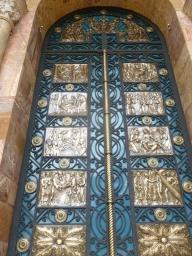3. La splendide porte de la cathédrale
