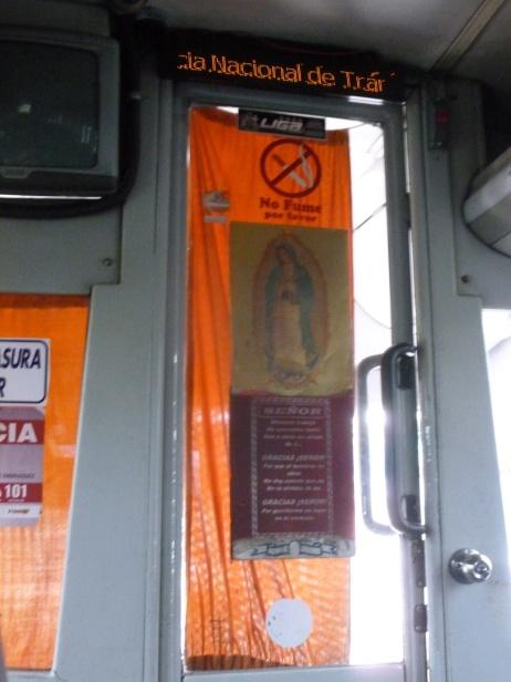 33. Allez on embarque pour Puerto Lopez, avec la Vierge Marie qui veille sur nous...