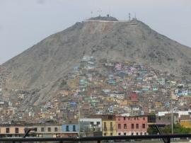 40. L'urbanisation qui ronge la montagne