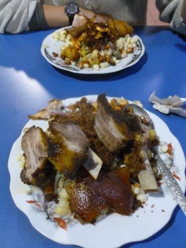 4. Spécialité locale - la chugchuccara - mangée au patio de comidas du centre-ville