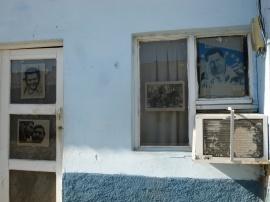 Cuba - Trinidad - Chavez accolé aux figures de la révolution cubaine