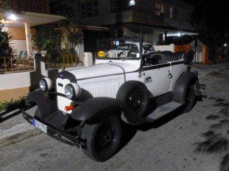 73. Les voitures de collection sont légion, cependant ici elles roulent toutes sans exception !
