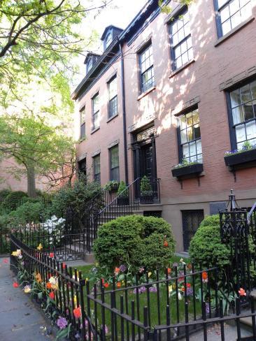 107. Micro-jardinets sur les trottoirs