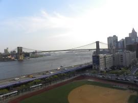 30. Le pont de Brooklyn en face