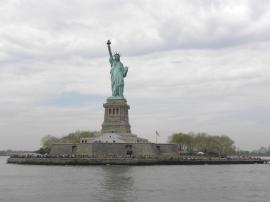 36. Petit arrêt pour voir la Statue de la Liberté de près
