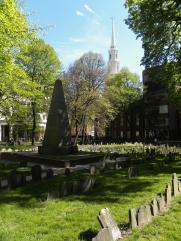 42. Reposent dans ce cimetière des personnalités telles que Benjamin Frankin, Samuel Adams, John Hancock ou encore Paul Revere