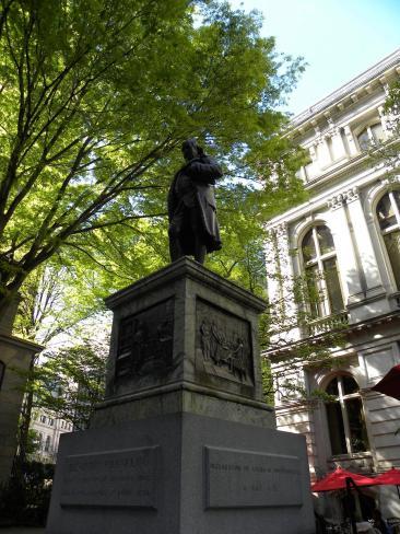 50. Statue de B. Franklin