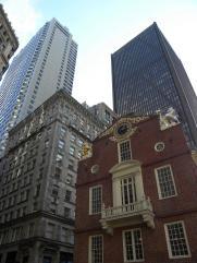 57. La déclaration d'Indépendance fut lue aux Bostoniens pour la 1ere fois depuis ce balcon