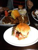 78. Nous ne pouvions partir sans goûter la spécialité locale - le sandwich au homard !
